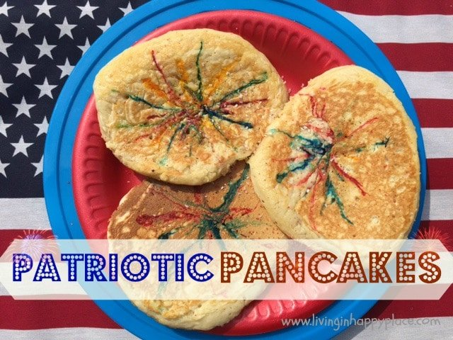 Patriotic Pancakes! Have a fun holiday breakfast with these easy pancakes!