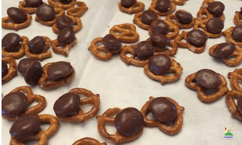 milk-dud-cinnamon-pretzel-snaps-6