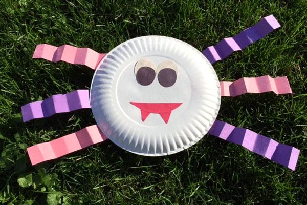 Halloween craft paper spider